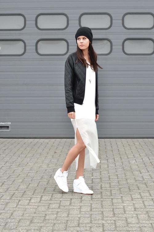 Девушка в бомбере и белом платье