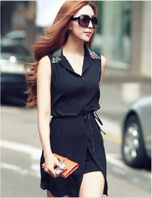 Девушка в черной юбке