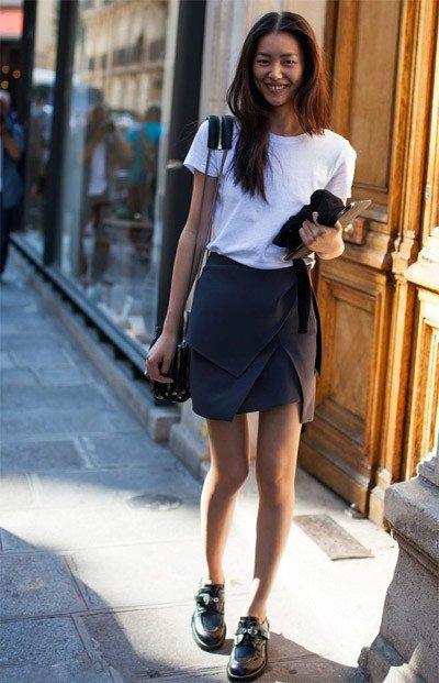 Девушка в многослойной юбке