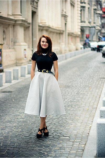 Фото девушек в юбках с полными формами фото 214-239