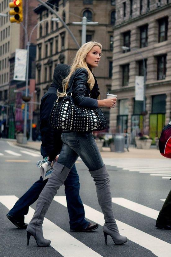Девушка в джинсах и сапогах фото фото 237-935