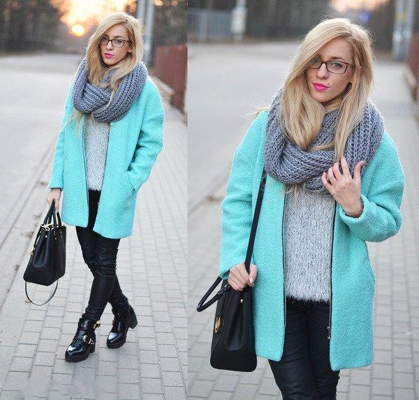 Девушка в мятном пальто
