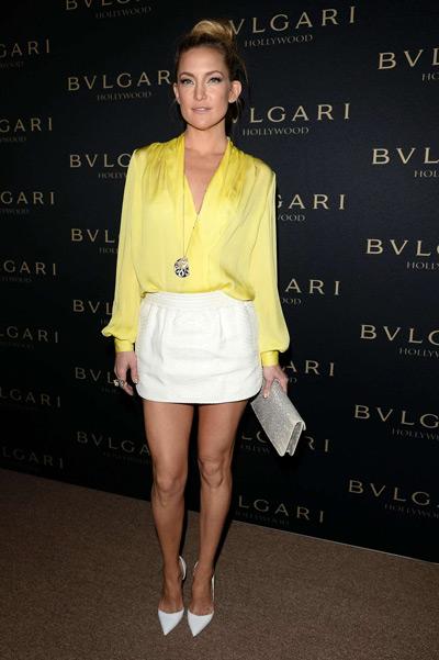 Кейт Хадсон в желтой блузке