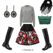 Лук с юбкой с розами, серым свитером и сапогами
