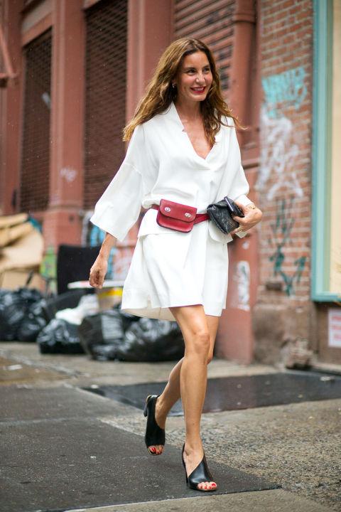 Длинное платье-рубашка - еще один ключевой элемент новой классики
