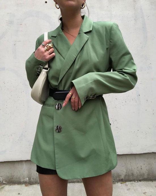 С чем женщинам носить зеленый жакет в 2020 году