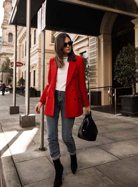 С чем женщинам носить красный жакет