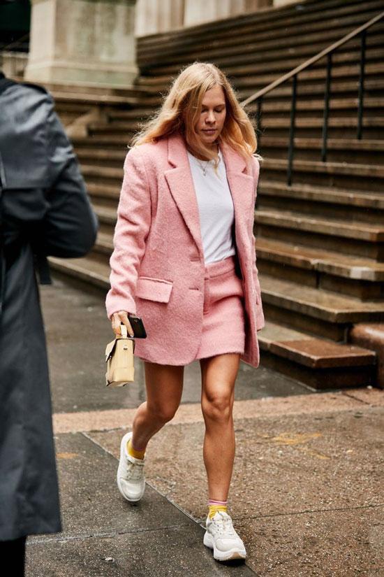 С чем носить розовый жакет