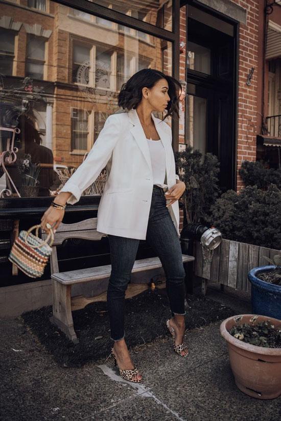 С чем женщинам носить белый жакет