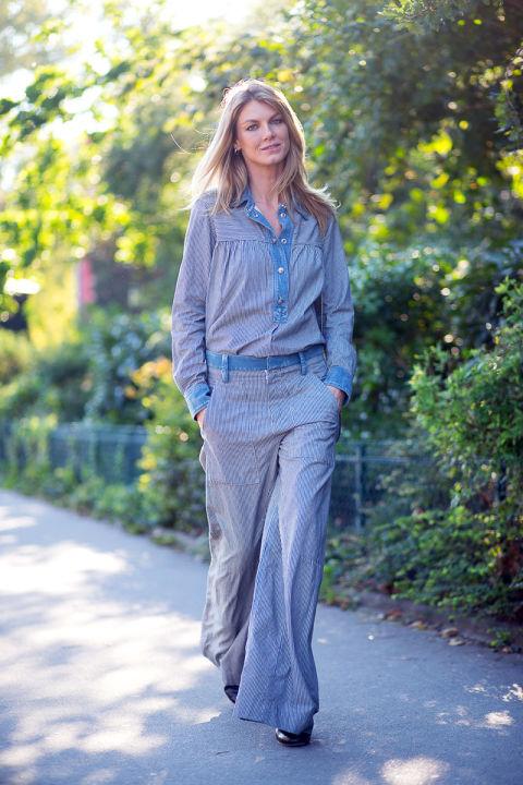 Angela Lindvall в стильном брючном костюме