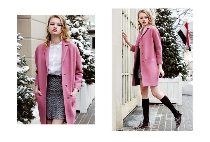 Девушка в карамельно-розовом пальто
