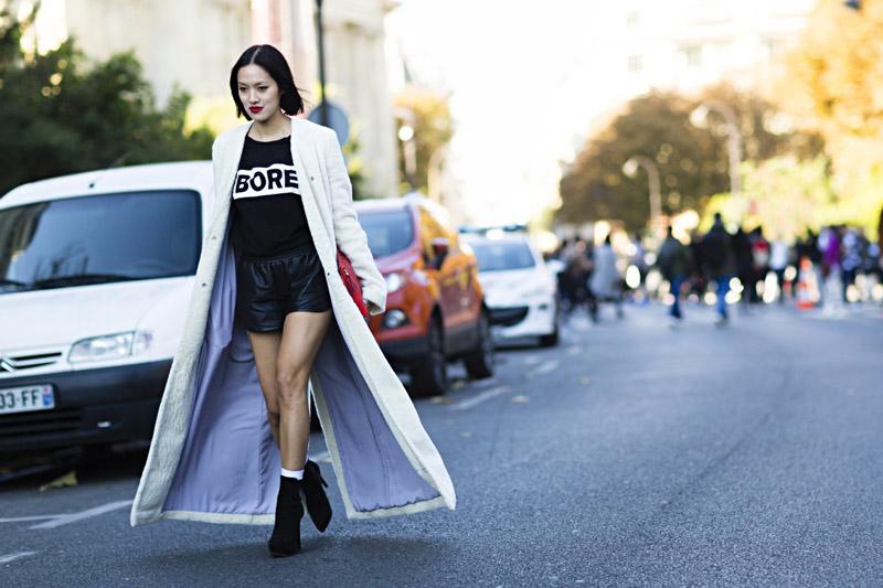 Длинное прямое пальто - тренд, о котором в октября упомянул VOGUE