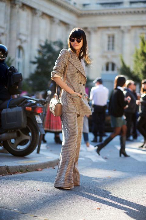 Очень стильный брючный костюм, отлично подходит для современной деловой женщины