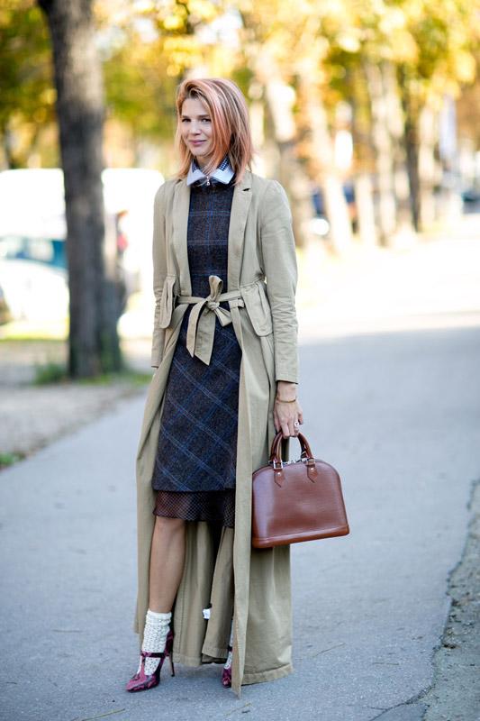 Прямое длинное пальто может заменить длинный пиджак или кардиган