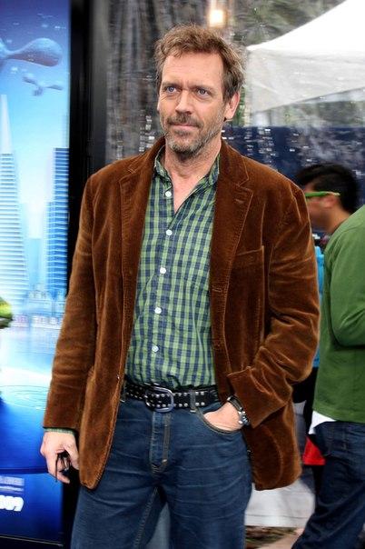 хью лори в вельветовом пиджаке