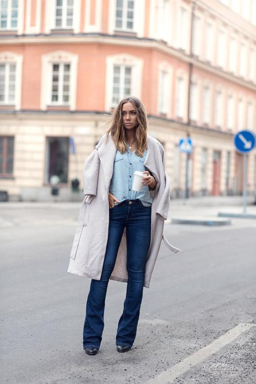 Лиза Олссон в джинсах клеш
