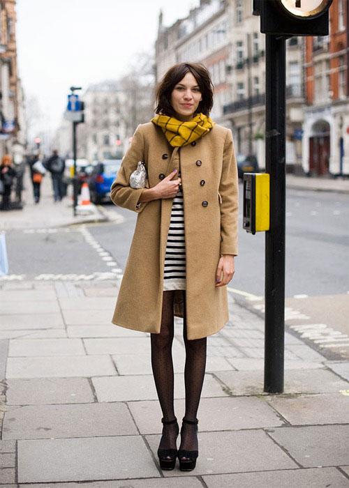 Алекса Чанг в пальто