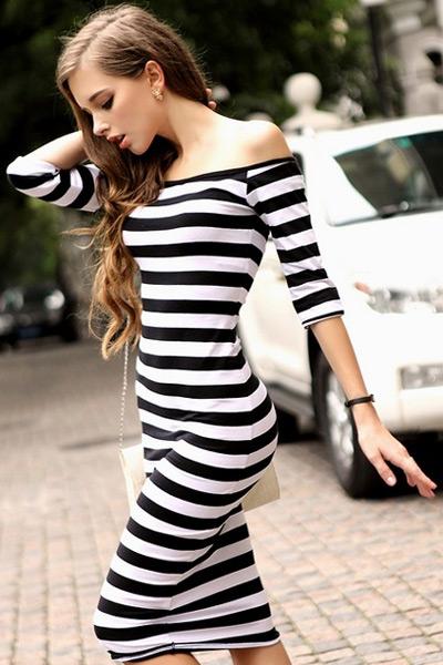 Девушка в платье с рукавам
