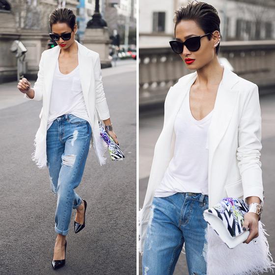 Девушка в белом пиджаке и балетках