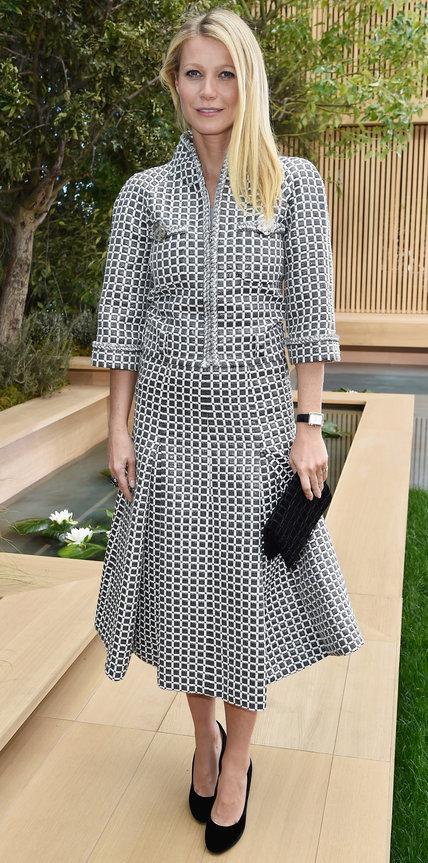 Гвинет Пэлтроу в перекрасном платье в клетку и бархатных туфлях