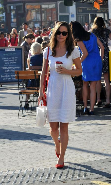Пиппа Мидлтон в белом платье