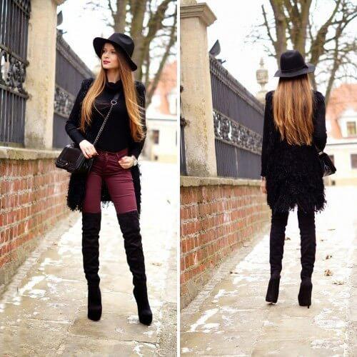Девушка в узких бордовых брюках