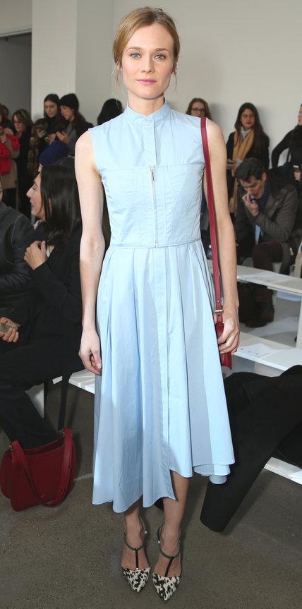 Диана Крюгер в милом голубом платье