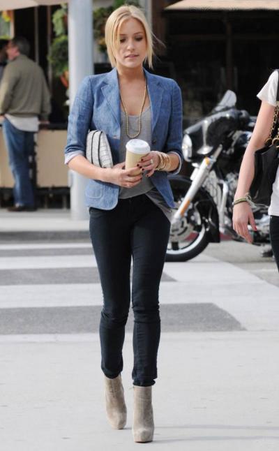 Кейт Хадсон в узких брюках