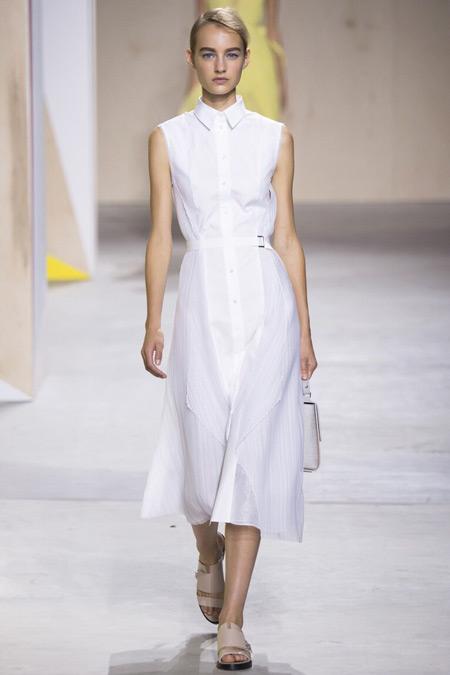 Модель в белой рубашке от Boss Hugo Boss
