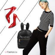 Лук с красными туфлями, рюкзаком и полосатой кофточкой