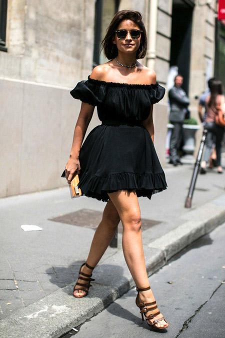 Мирослава Дума в черном платье с открытыми плечами