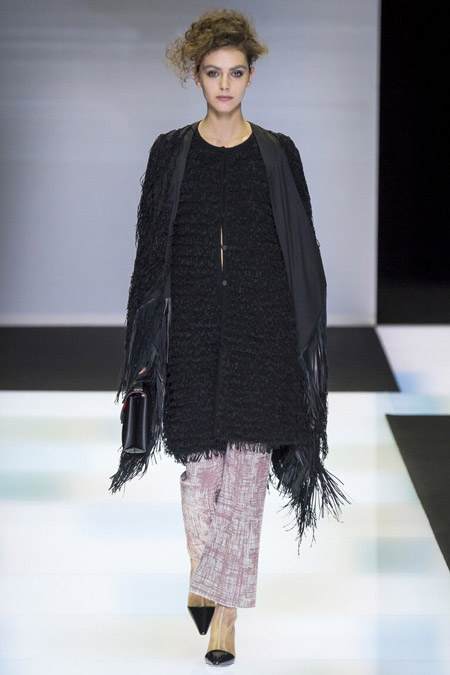 Giorgio Armani - укороченные брюки расклешенные книзу, модные тенденции осень/зима 2016-2017