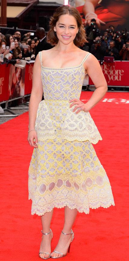 Эмилия Кларк в кружевном платье
