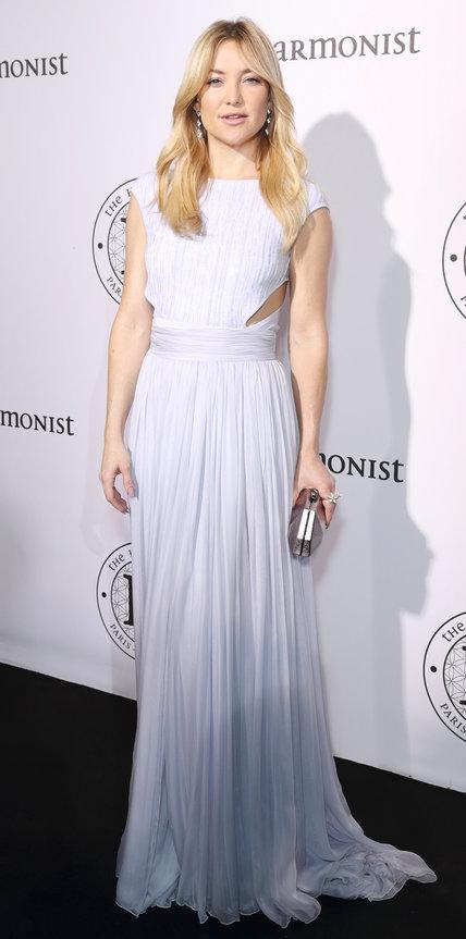 Кейт Хадсон в светлом легком платье