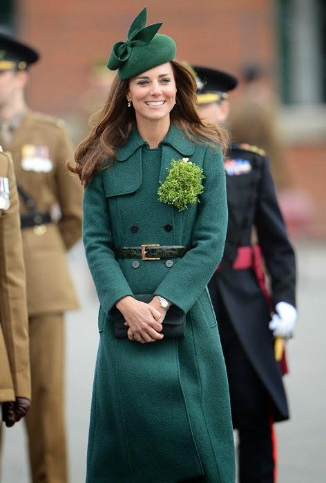 Кейт Миддлтон в иизумрудной шляпке