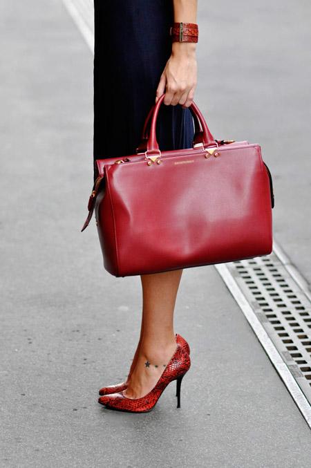 Черно-красные туфли