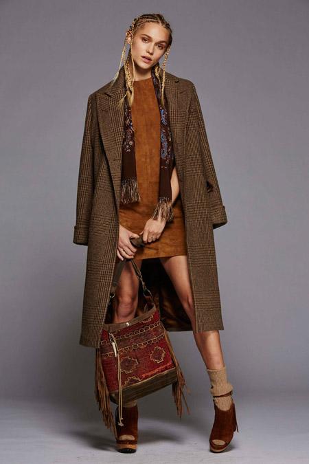 Модель в классическом коричневом пальто от Polo Ralph Lauren - модные пальто осень 2016, зима 2017