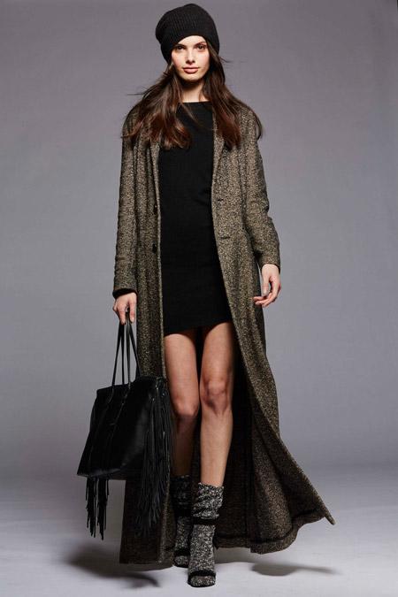 Модель в коричневом пальто в пол от Polo Ralph Lauren - модные пальто осень 2016, зима 2017
