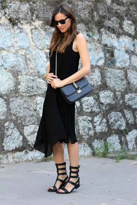 vestido_negro_plisado_2