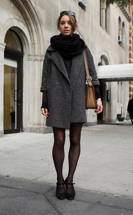 Девушка в черном шарфе