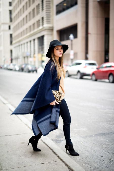 Девушка с леопардовым клатчем