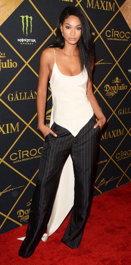 Шанель Иман в белом топе и брюках