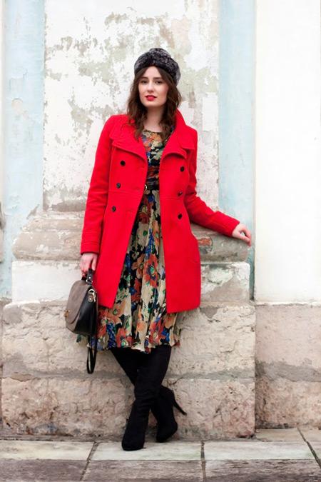 пальто-платье-миди-ботфорты-сумка-саквояж-меховая-шапка-ремень-original-9155