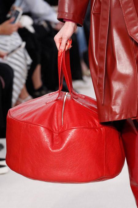 balensiaga красная - модные сумки весна/лето 2017