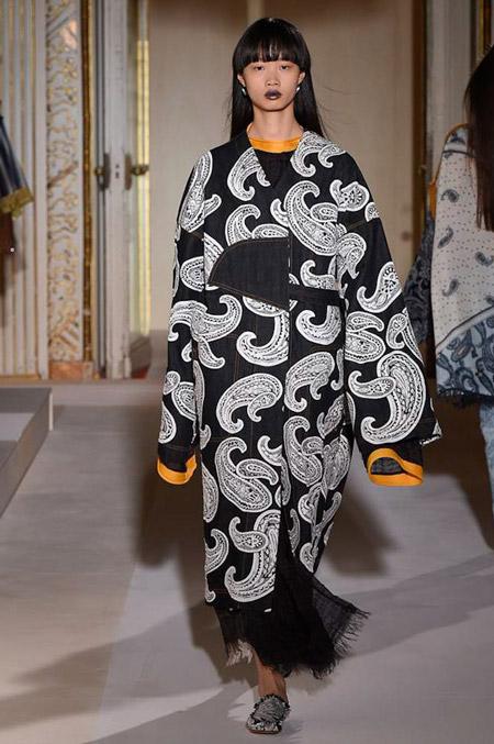 Acne Studios - модные женские пальто весна/лето 2017