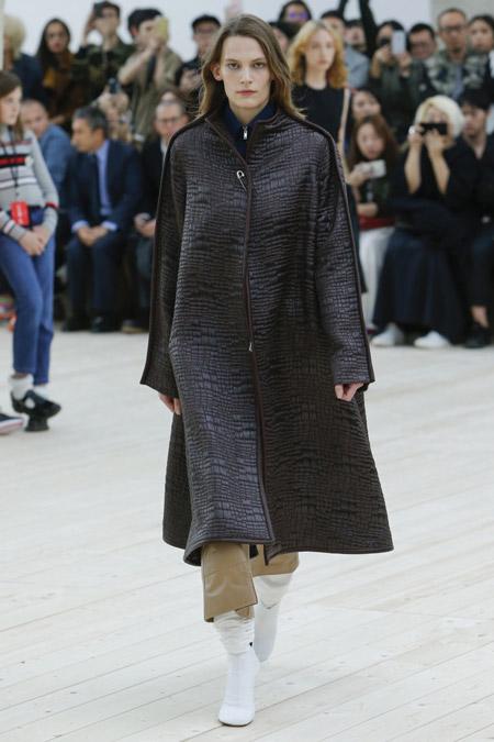Celine - модные женские пальто весна/лето 2017