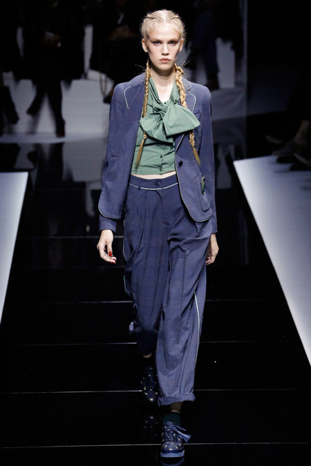 Emporio Armani - Модные женские костюмы сезона весна/лето 2017