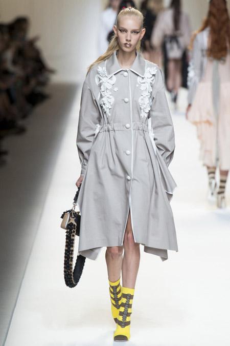 Fendi - модные плащи весна/лето 2017