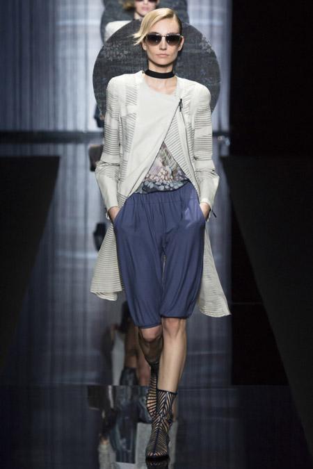 Giorgio Armani - модные плащи весна/лето 2017