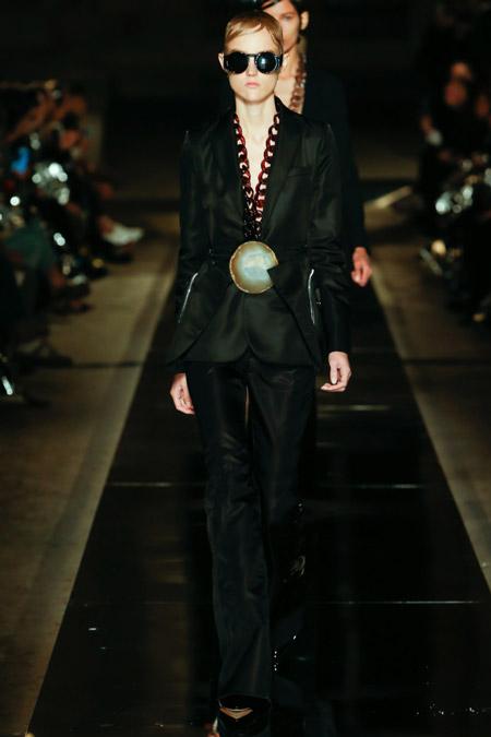 Givenchy - Модные женские костюмы сезона весна/лето 2017